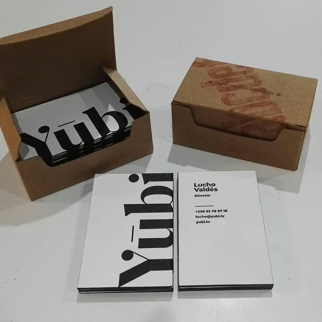 Los amigos de @lenguastudio nos trajeron un muy buen diseño de tarjetas de presentación para @yubi.tv . Tomamos su diseño y lo mezclamos con un excelente papel de 600 grs, le aplicamos la dosis justa de tinta y la presión exacta de letterpress. El resultado una tarjeta de presentación única y  con mucha personalidad